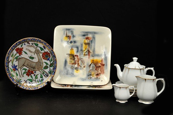10: Mix lot of Porcelain and pottery