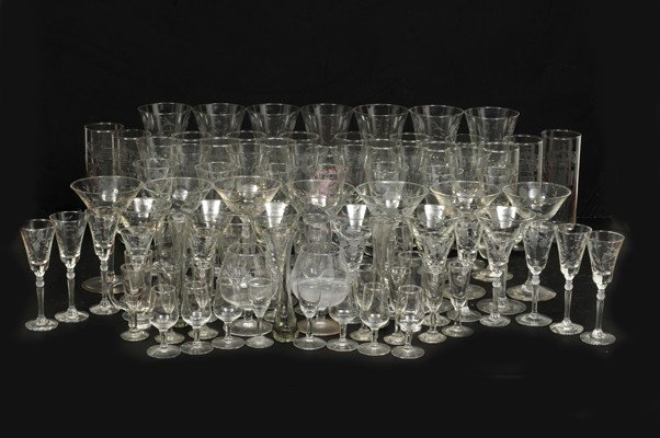 23: Set of cups and glasses