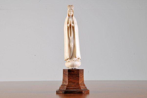 """Virgin"". Carve Ivory figurine, 13 cms height."