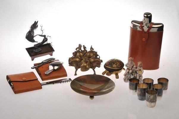 Mix lot of decorative objects, includes porcelain figui