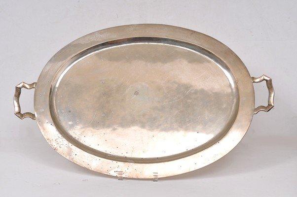 131: Charola. Elaborada en plata Sterling. 0.925. De fo