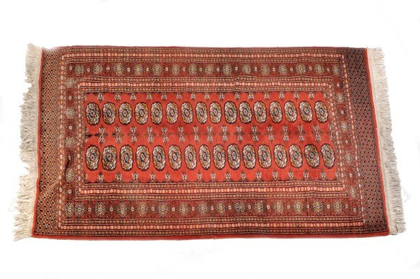 Wool Pakistani carpet, 162 x 124 cms