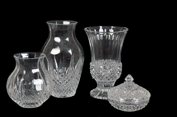 Lote de cristalería. Diseños facetados y diamantados.