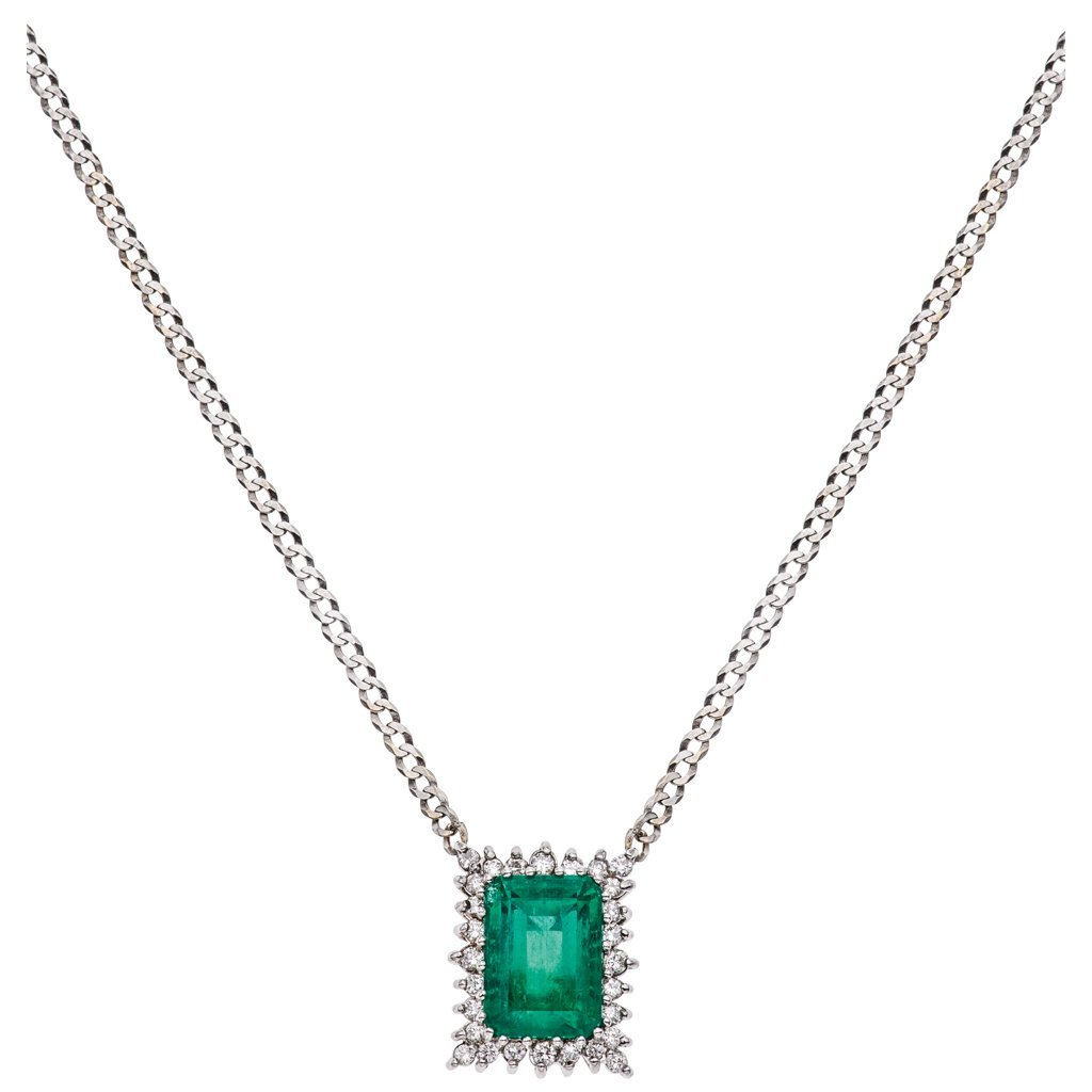 A 18K WHITE GOLD CHOKER WITH COLOMBIAN EMERALD AND