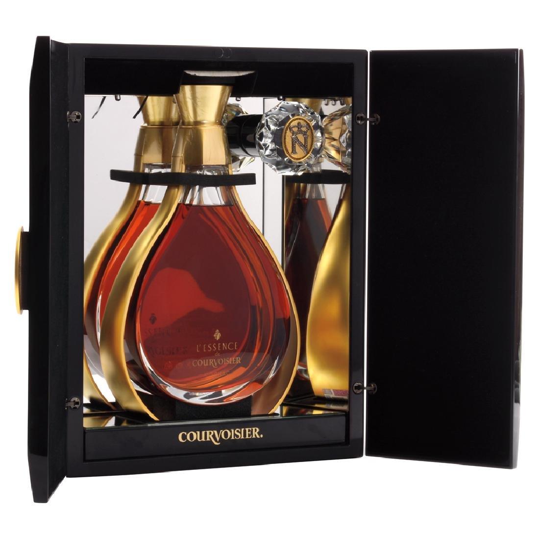 LEssence de Courvoisier. Cognac. 750 ml. Series A6896.