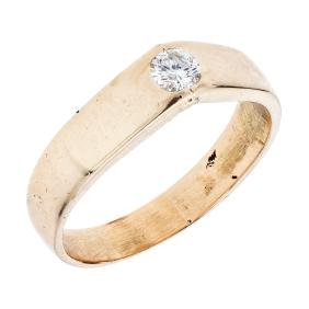 A 14K yellow gold solitaire ring with 1 brilliant cut