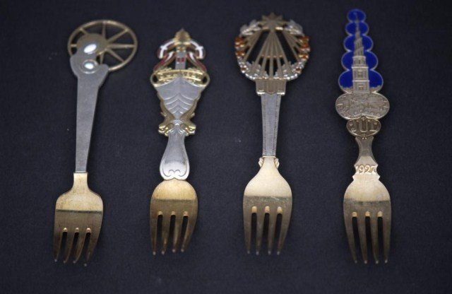 7: 15 Danish SS Commemorative Spoons and Forks