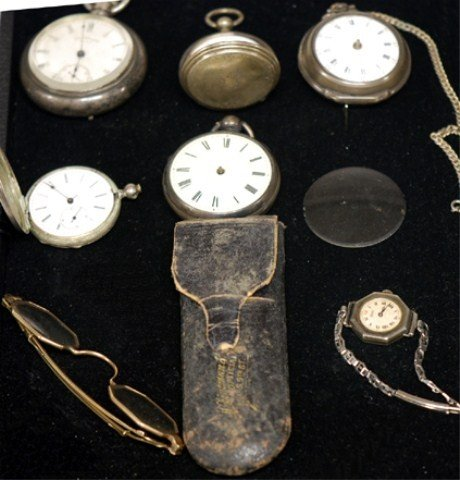 16A: TRAY LOT OF MEN's SILVER POCKET WATCHES &14K FRAME