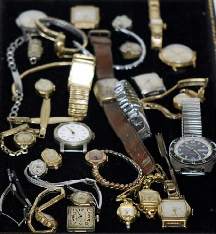 19A: TRAY LOT OF MEN'S AND LADIES' WATCH