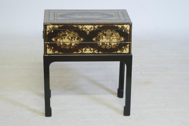 11: ANTIQUE CHINESE LACQUERED LAP DESK