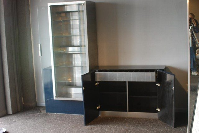 207: PAUL EVANS CITYSCAPE DISPLAY CABINET - 2