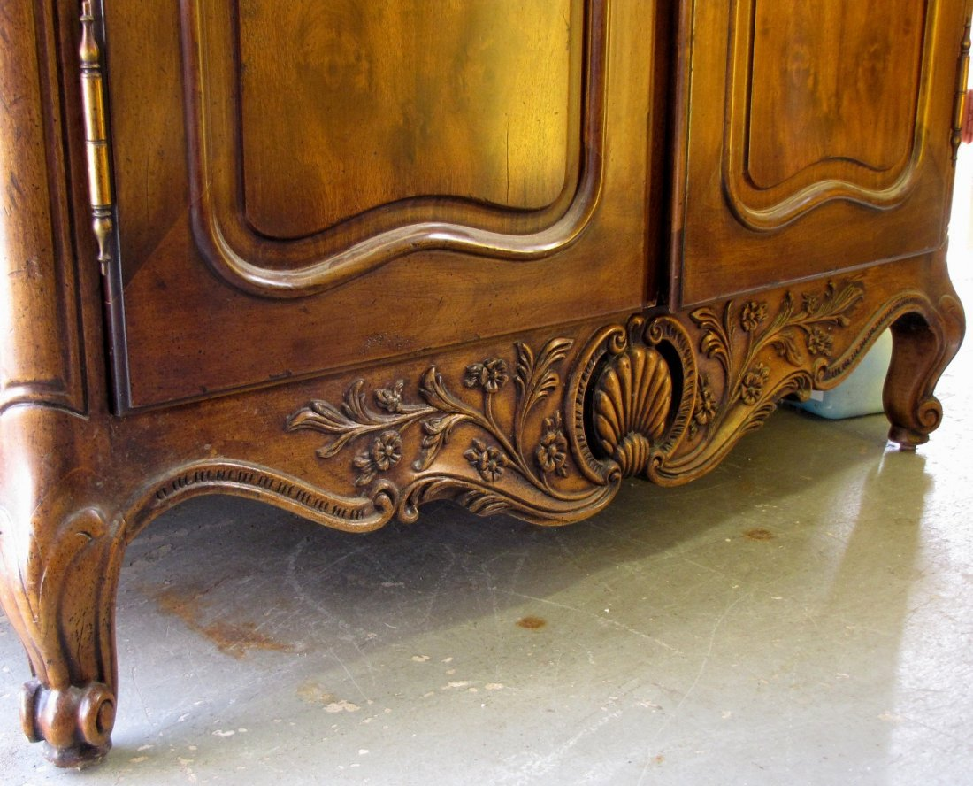 345A: HENREDON COUNTRY FRENCH ARMOIRE - 3