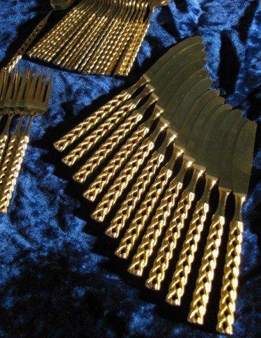 581: VIP GOLD PLATED ITALIAN FLATWARE SET - 2