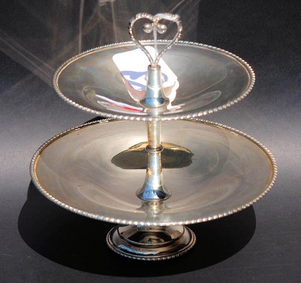 Continental 2-Tier Serving Dish