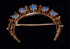 Vintage Antique Style Ladies Pin with Opals