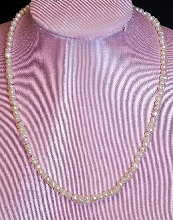 Vintage 14: Cultured Pearl Ladies' Necklace