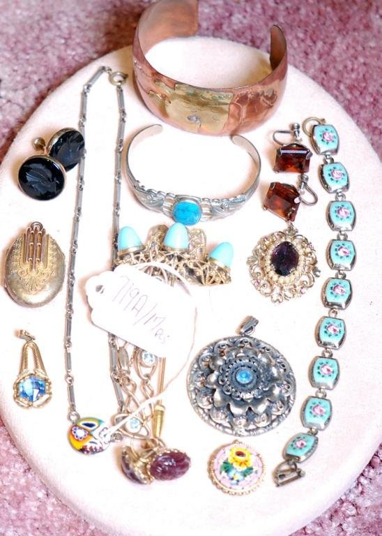 Lot of 17 Pcs. of Assorted Ladies' Jewelry