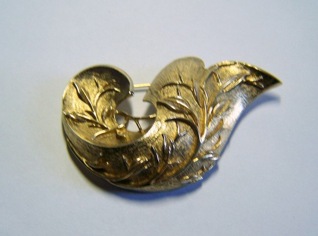 35: vintage sarah cov brooch pin