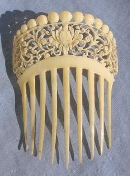 Antique VICTORIAN Profusely Carved IVORY COMB