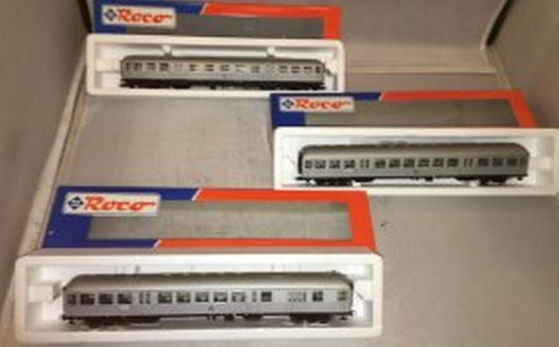 Roco DB HO Scale 3-Car Passenger Train