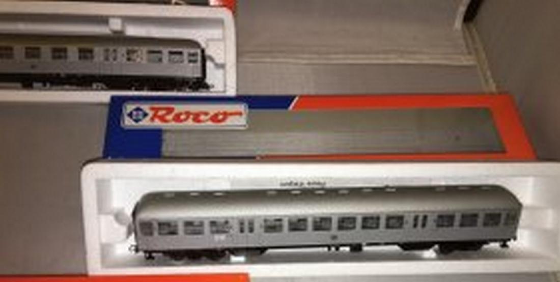 Roco DB HO Scale 3-Car Passenger Train - 3