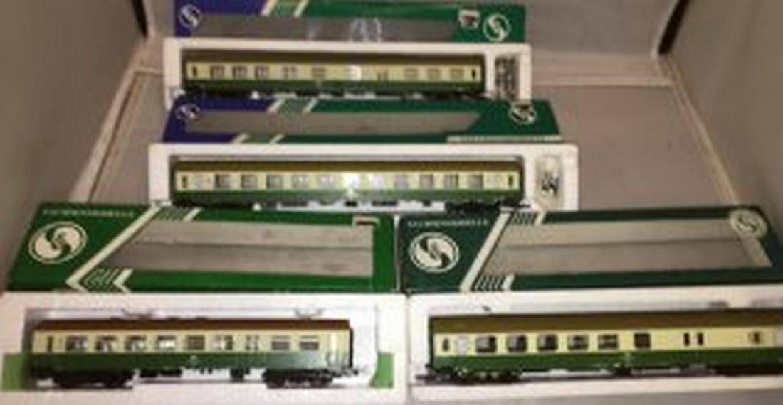 Sachsenmodelle DB/DR HO Scale 4-Car Passenger Train