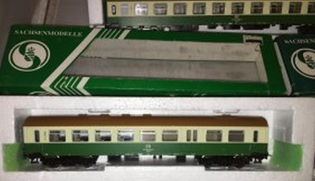 Sachsenmodelle DB/DR HO Scale 4-Car Passenger Train - 2