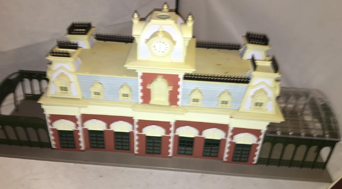 Disney O Scale World Railroad Station