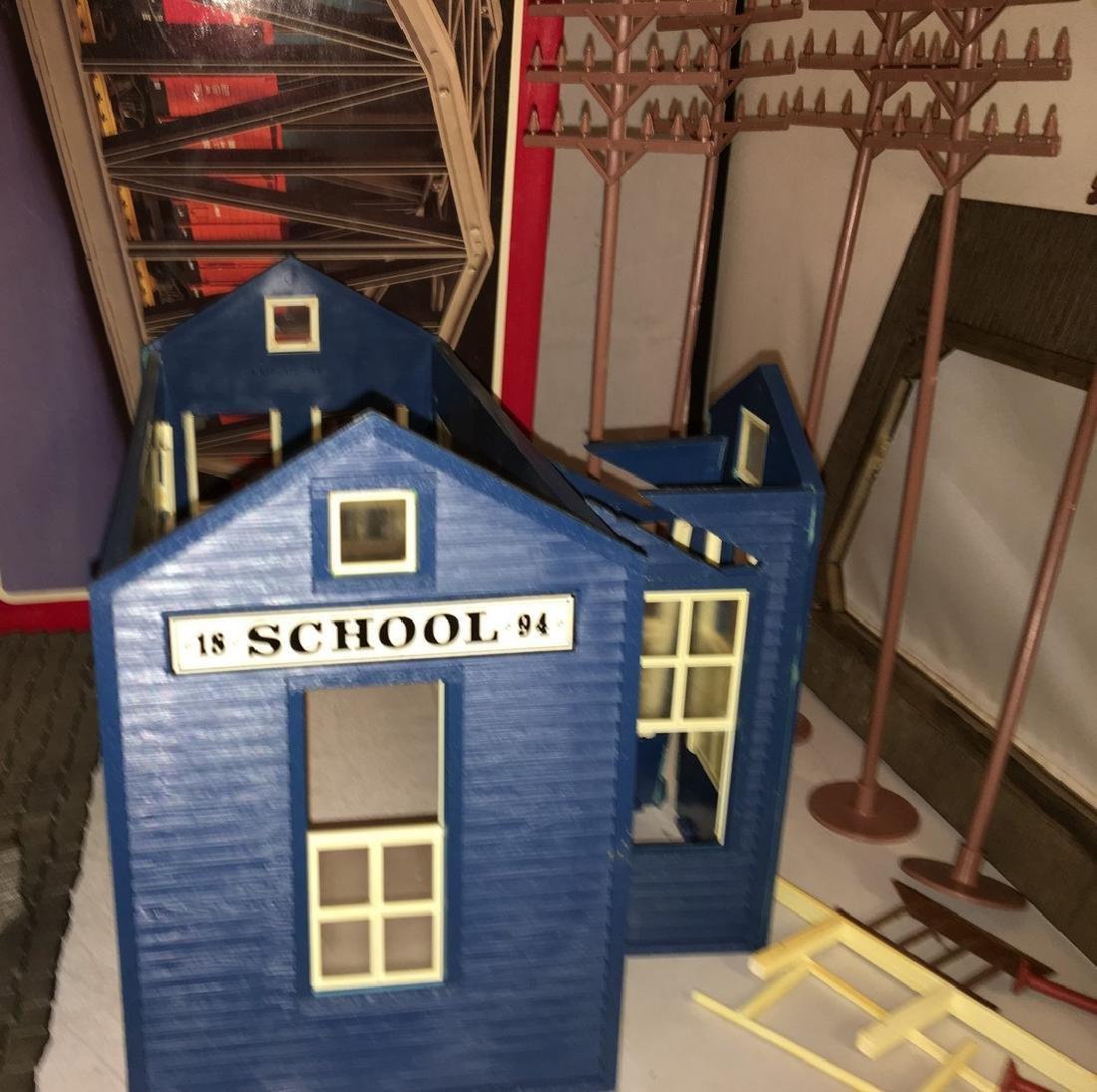 Model Power G Scale School House Plus - 2