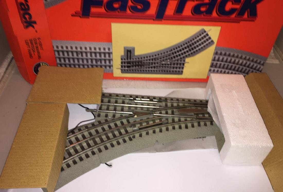 Lionel 12017 O Gauge Fastrack Right Hand Switch