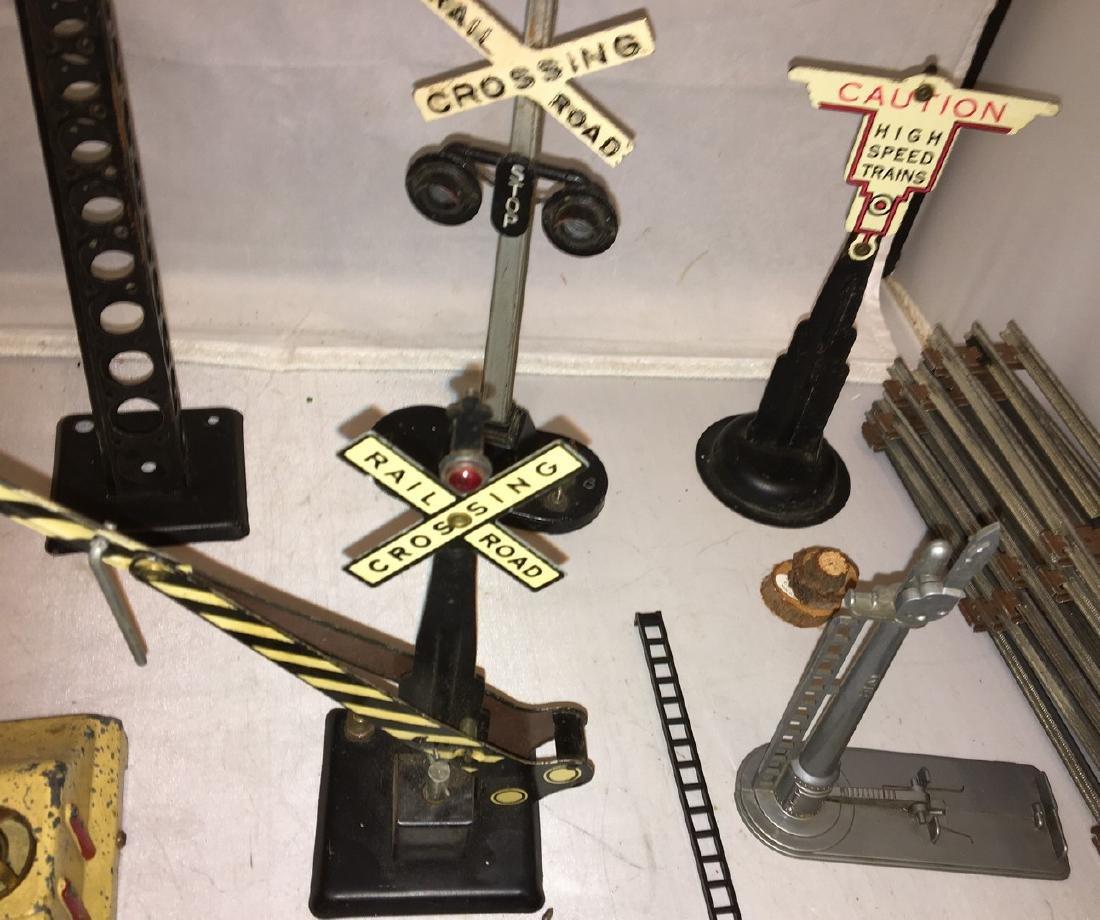 Lionel/Other Prewar and Postwar O Gauge Accessories - 3