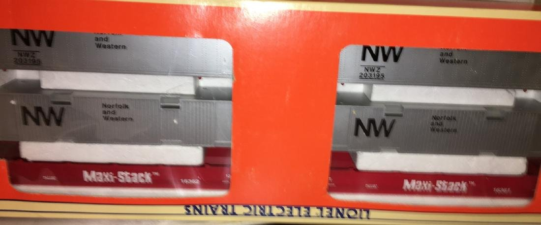 Lionel NW O Gauge MaxiStack Car Set