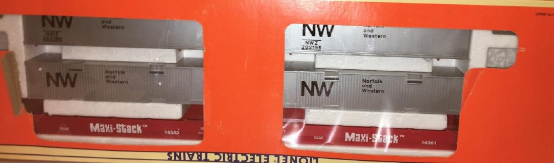 Lionel NW O Gauge MaxiStack Car Set - 2