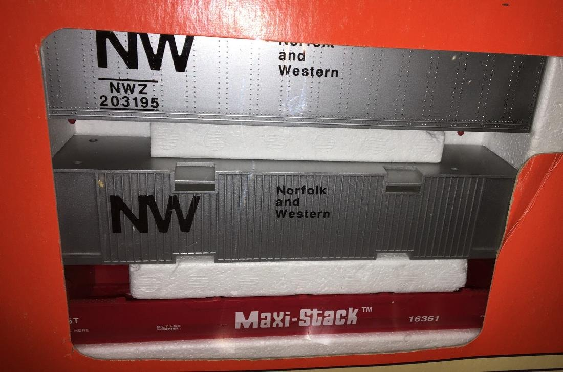Lionel NW O Gauge MaxiStack Car Set - 4