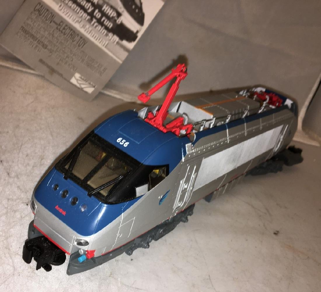 Lionel Amtrak O Gauge HHP-8 Electric Locomotive - 4