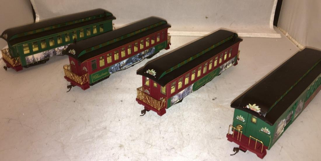 Kinkade Christmas ON30 Passenger Cars