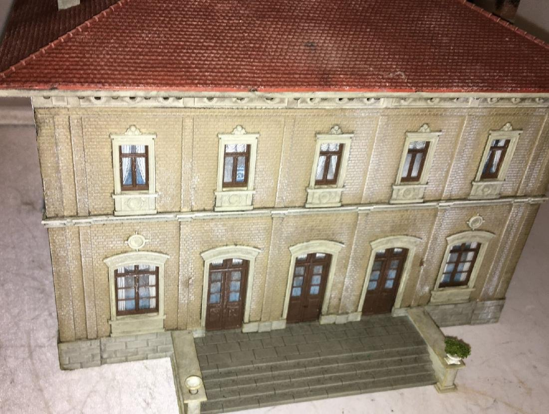Kibri HO Scale Town Hall - 3