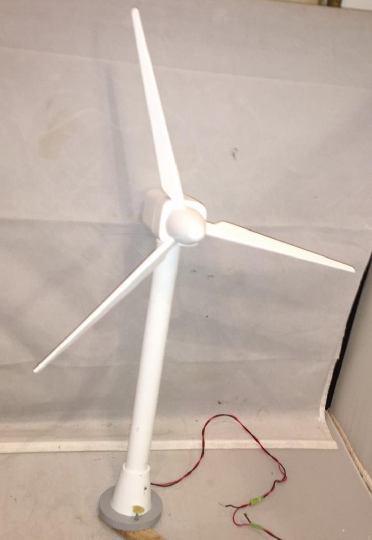 Lionel O gauge Operating Wind Turbine
