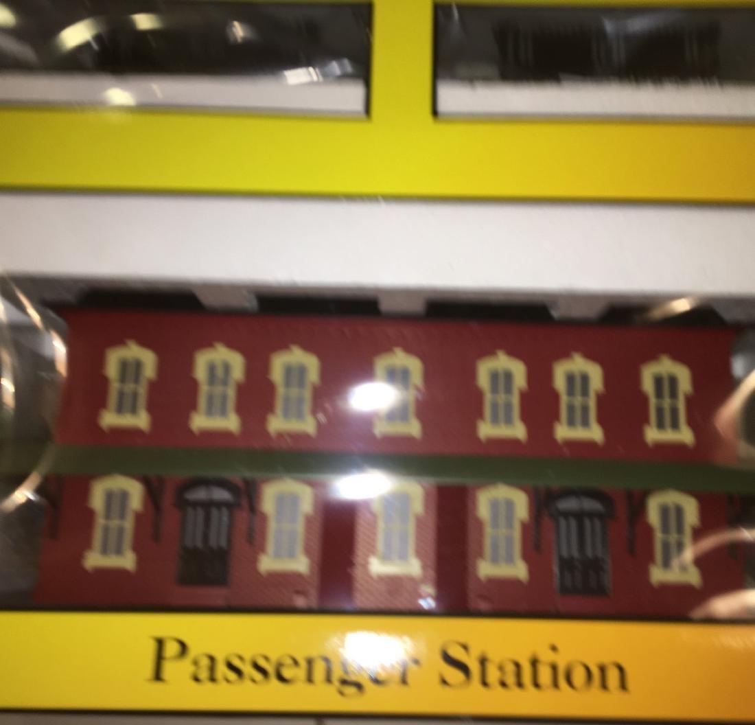 MTH O Gauge Large Passenger Station - 4