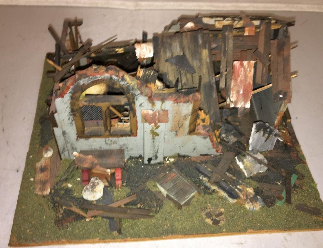 Wood Craftsman O Gauge Decaying Building Diorama