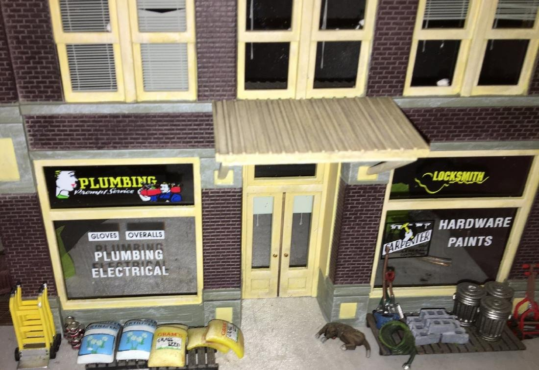 Menards O Gauge Hardware Store - 2