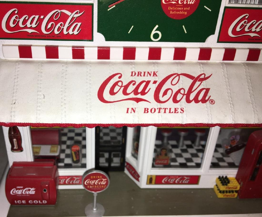 Danbury Mint O Gauge Coca Cola Store - 2