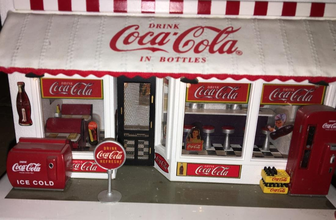 Danbury Mint O Gauge Coca Cola Store - 3