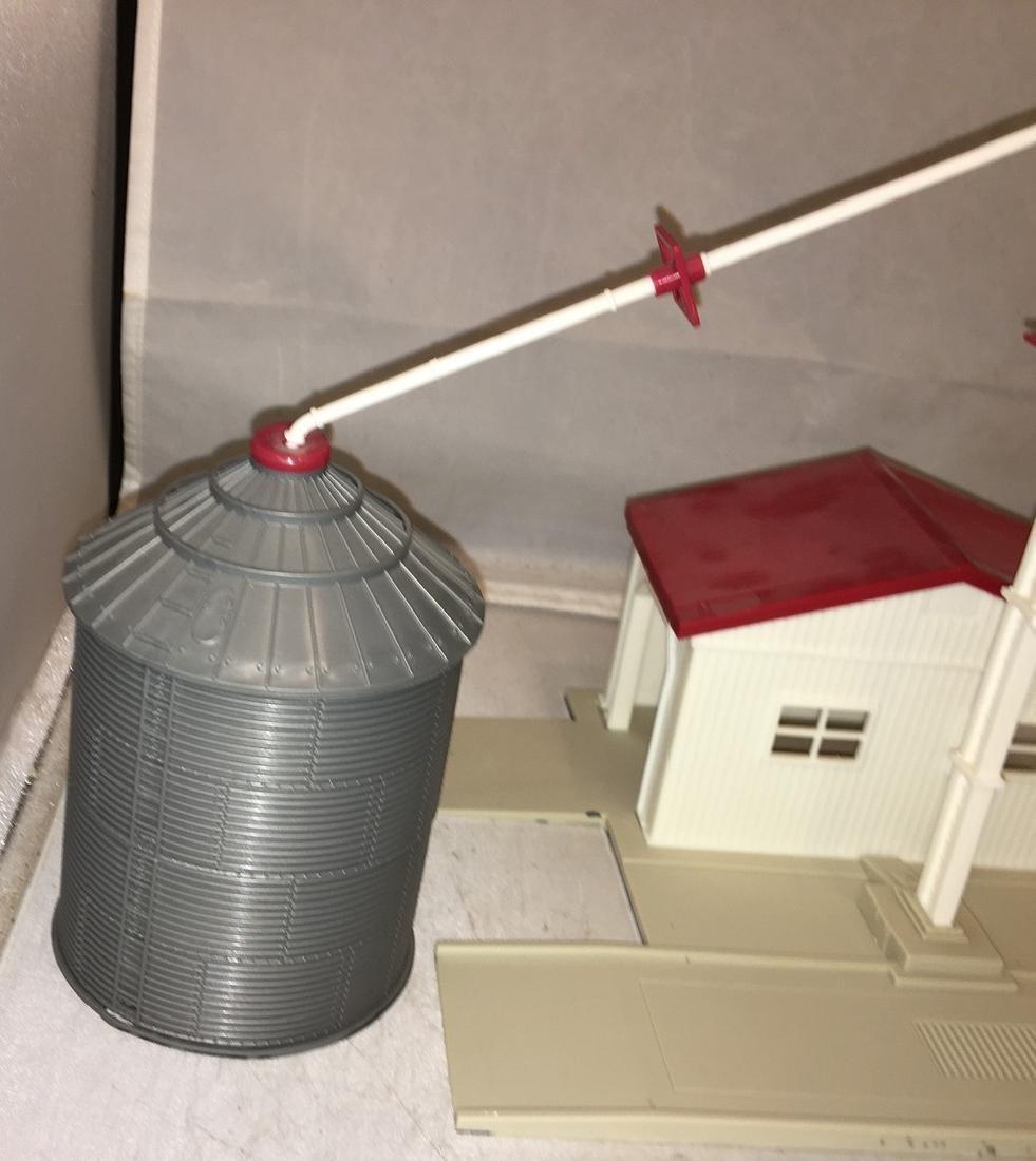 Ertl O gauge Grain Processing Station - 2