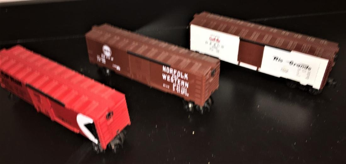 Lionel O Gauge Box Cars