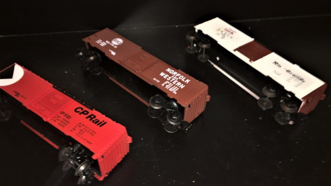 Lionel O Gauge Box Cars - 3