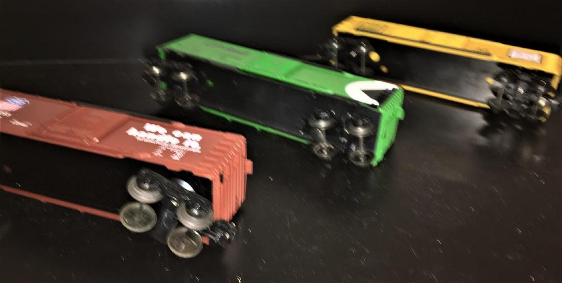 Lionel O Gauge Box Car Assortment - 3