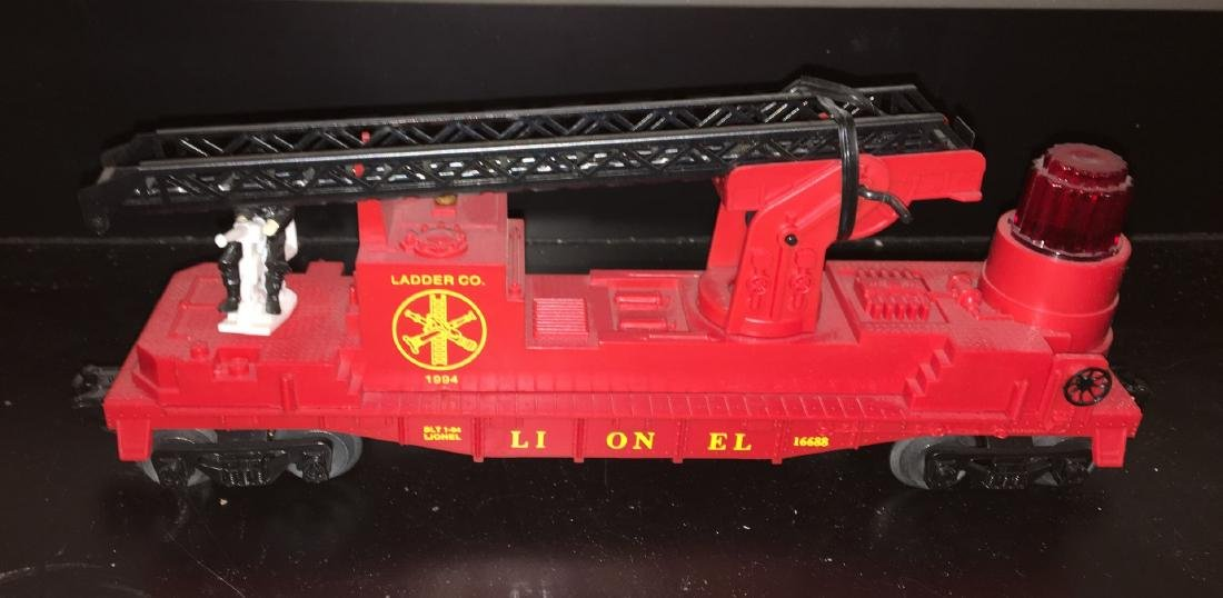 Lionel O Gauge Operating Fire Car