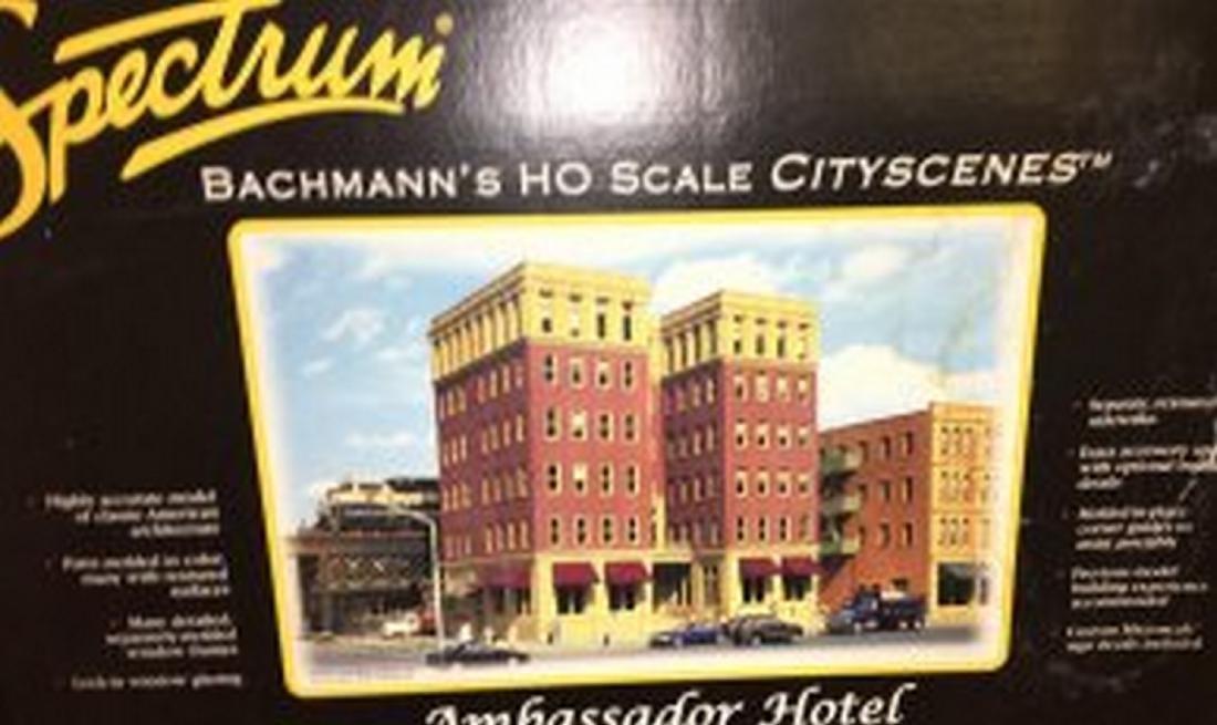 Spectrum 88002 HO Scale Ambassador Hotel