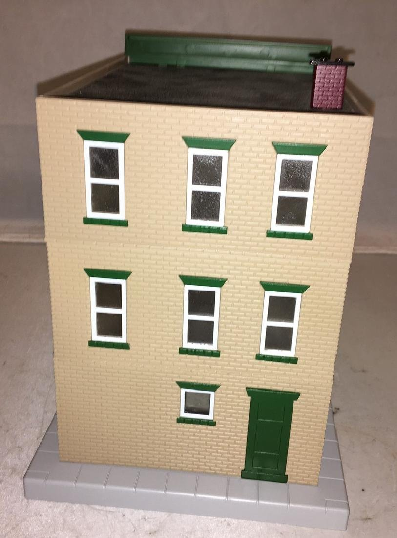 MTH Toms Toggerty O Gauge 3-Story Building - 4
